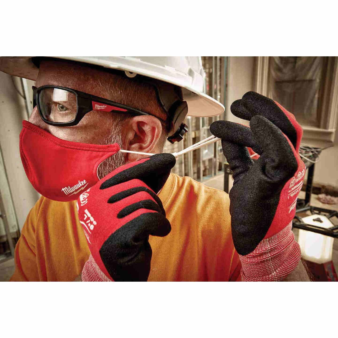 Milwaukee Red 2-Layer Washable Dust & Face Mask Image 3