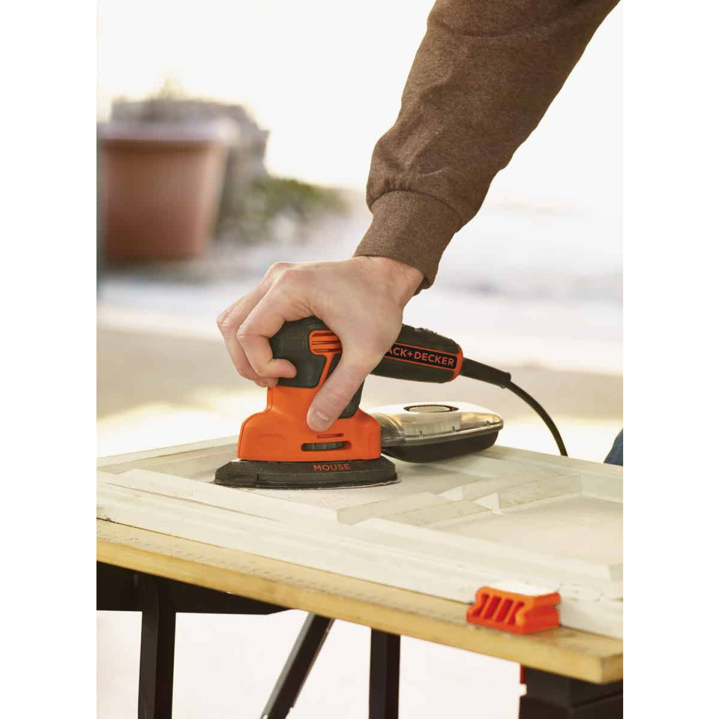 Black & Decker Mouse 10 In. 1.2A Finish Sander Image 5