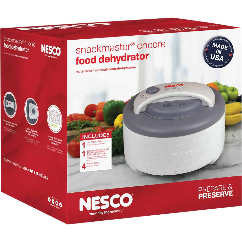 The Nesco Snackmaster Encore Food Dehydrator Image 2